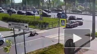 На пешеходном переходе на Пискарёвском проспекте водительница автомобиля сбила велосипедиста-школьника