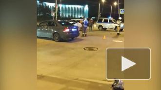 В аварии на Лени Голикова и Ветеранов пострадал человек