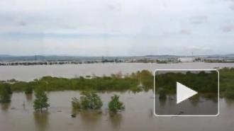 Наводнение в Комсомольске-на-Амуре бьет рекорды, жители снимают видео